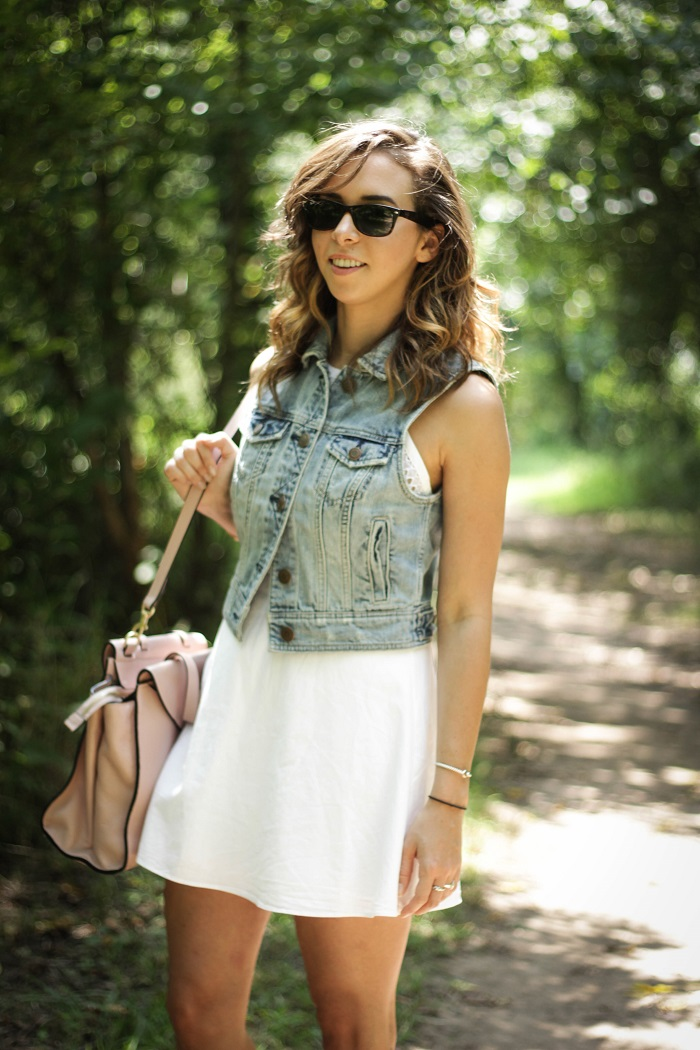 white sundress. white dress. denim vest. vest over dress. curly hair. gold sandals. dc style fashion blogger. 8