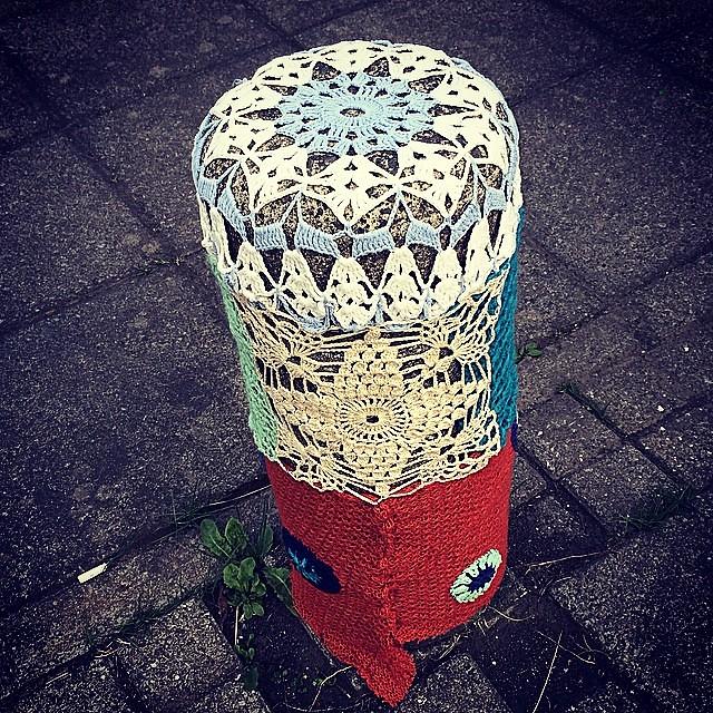 Vitatorg #torgíbiðstöðu #yarnbombing #yarngraffiti #yarnstorming #reykjavík #iceland