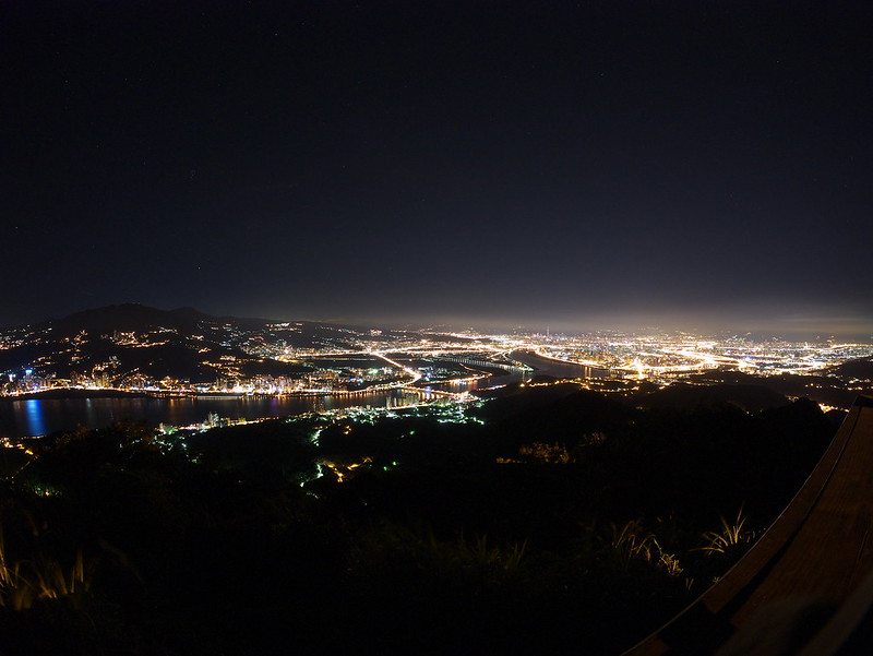 硬漢嶺夜景 Night Scene on Yinghan Peak