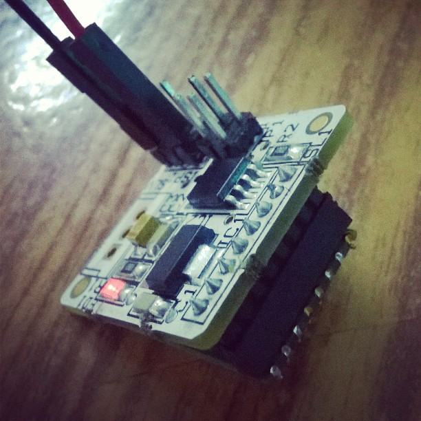 A #Tiny #Node of a #WSN that can have tons of uses showcased by #Antfarm #Robotics at @mozilla #MakerParty in #Pune #India The node uses at #AVR #Atiny micro with a #TI radio. Surprisingly the ATtiny runs a #RTOS that does all the #processing. #ConnectedI