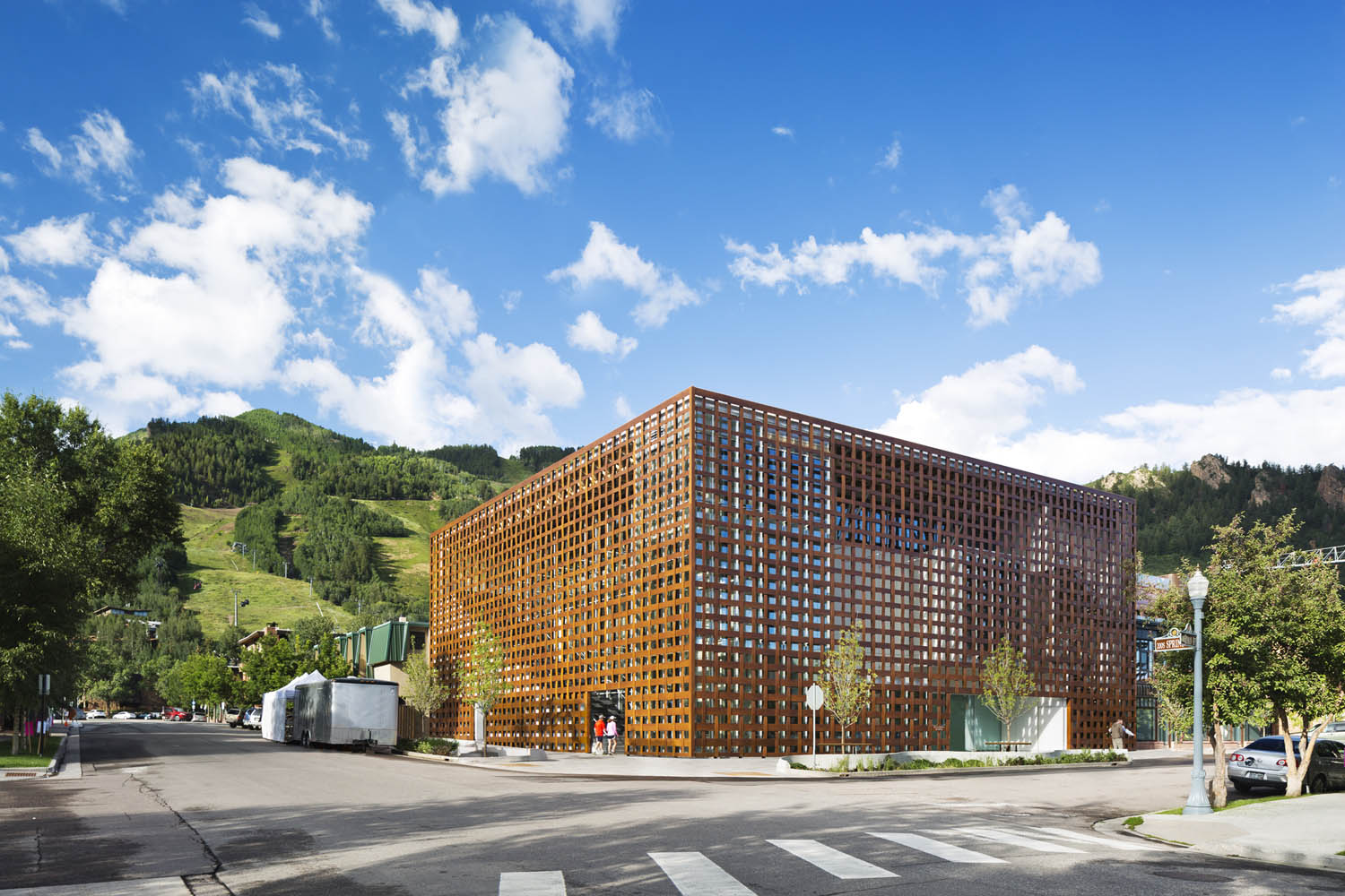 mm_Aspen Art Museum design by Shigeru Ban Architects_04