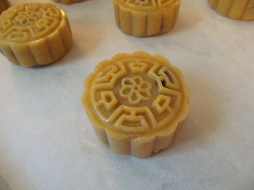 mooncake_830_shaped_2