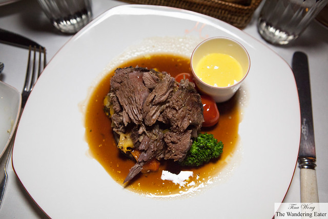 Baked salt encased leg of lamb (de-boned), served with vegetables.and a pot of aioli
