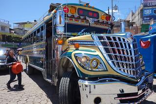 Incrível e exagerada decoração de autocarro / ônibus na Guatemala