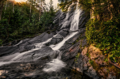 outdoors landscapes hiking waterfalls pacificnorthwest bridalveilfalls lakeserene