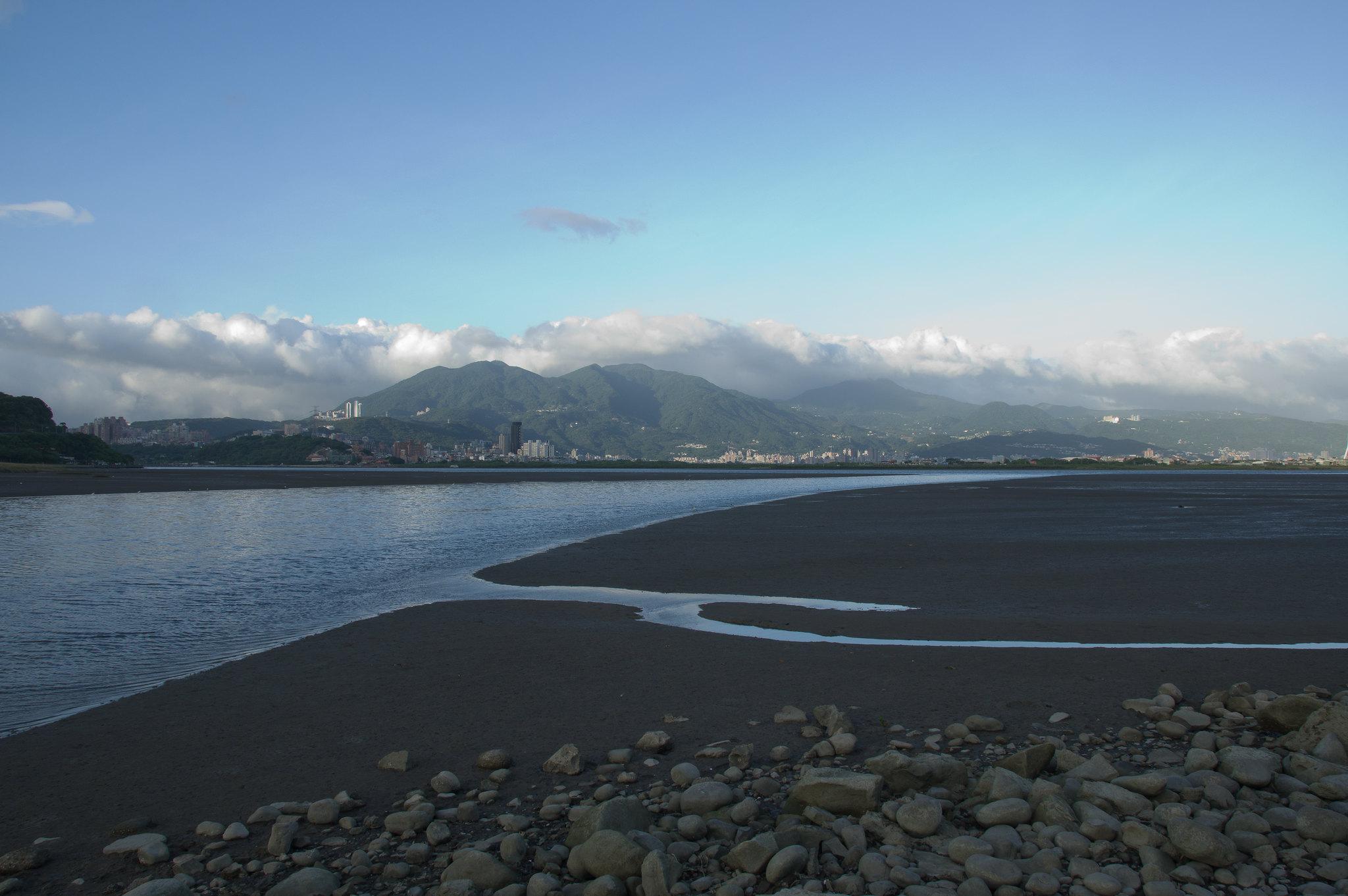 颱風前的霞光