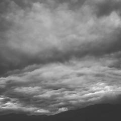 #cloudporn #dramaticsky #dramatic #ontheroad #makanart #filmmakerslife #blackandwhitephotography #blackandwhite #magicswitzerland #clouds