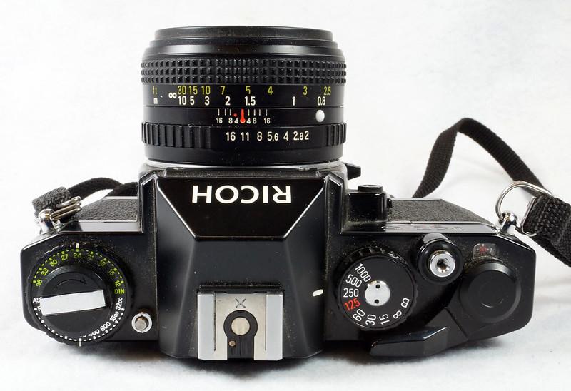 RD15023 Ricoh KR-5 SUPER 35mm SLR Film Camera XR Rikenon 50mm Lens, Sunpak Flash, Mustang Case DSC07465