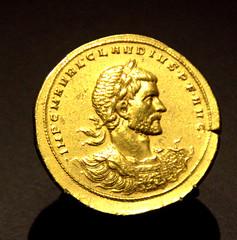 Moneda romana de oro