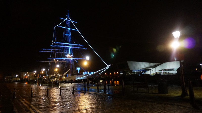 Liverpool: A Walk In City, Cheshire Oaks & Albert Dock
