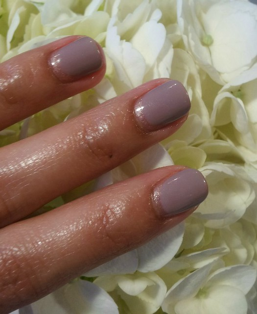 me-and-t-studio-reverse-french-manicure-2