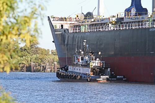 boat ships tug sanjoaquinvalley sanjoaquincounty portofstockton caiforniadelta