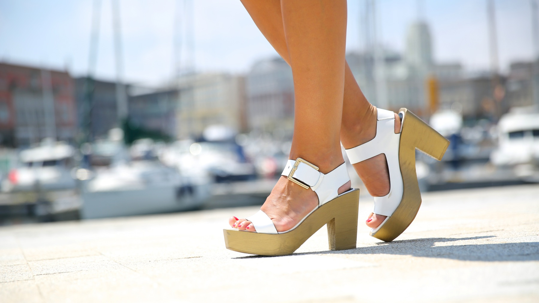 trendy_taste-look-outfit-street_style-ootd-blog-blogger-moda_españa-fashion_spain-coruña-galicia-sandalias_plataforma-platform_sandals-rebecca_minkoff-yellow-amarillo-vestido-dress-plaid-cuadros-1