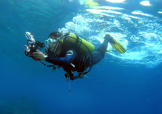 "<img src=""padi-two-dive-course-package-tioman-island-malaysia.jpg"" alt=""PADI Two dive course package, Tioman Island, Malaysia"" />"