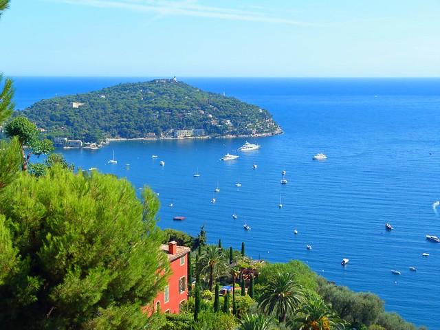 Vistas desde la Moyenne Corniche de la Costa Azul entre Niza y Mónaco