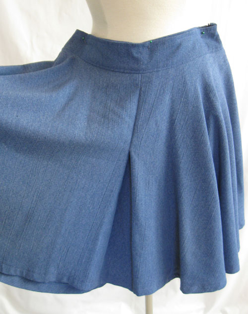culotte on form showing pleat