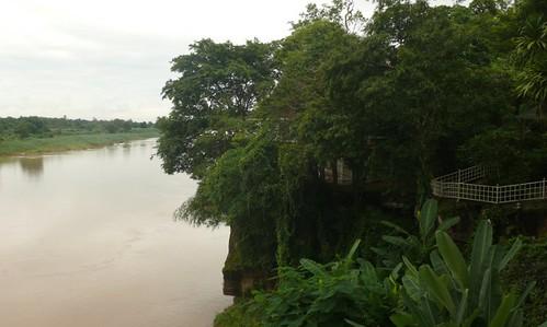 וואט הין מאק פן תחת גשם כבד