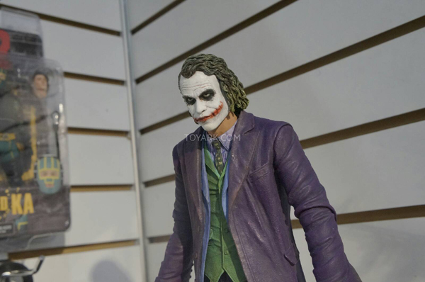 NECA_Joker_02