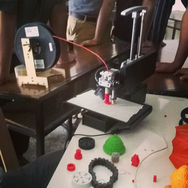 #ReedRobotics showcasing their #PrintrBotMetal at @mozilla #MakerParty in #Pune ! #3Dprinting #Maker #DIY #Wow