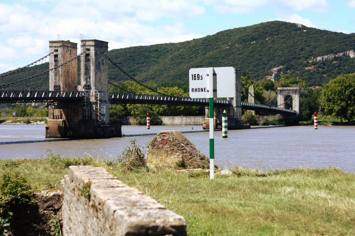 rhône faucet bridge pont