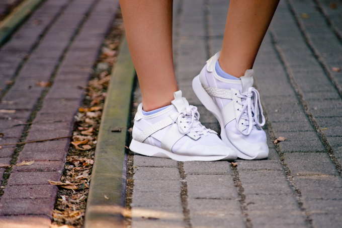 white sneakers (8)