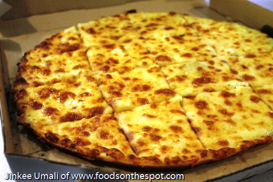 Angel's Pizza Got More Cheesy and Creamy Garlic