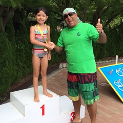 Anya took on all-comers* at the Kobe Club swim gala today. *no competitors in her age group. But she still swam freestyle and breaststroke well.