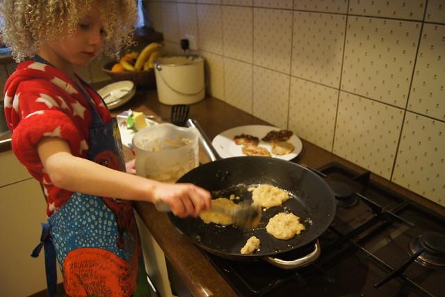 Gluten free banana pancakes DSC09844