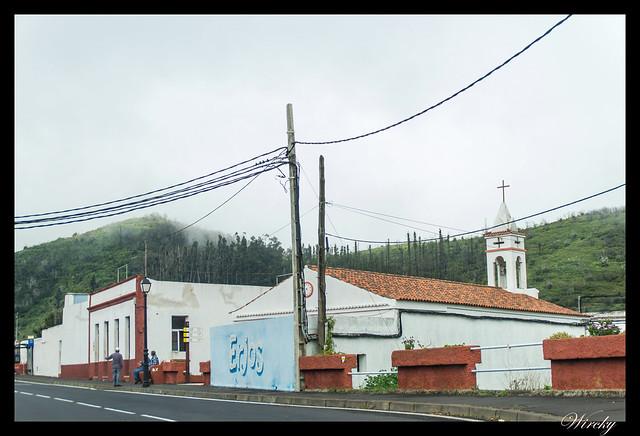 Tenerife Santiago del Teide acantilados los Gigantes Vilaflor - Parroquia de La Sagrada Familia en Erjos de El Tanque