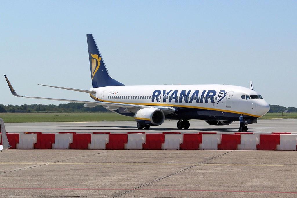EI-EKV - B738 - Ryanair
