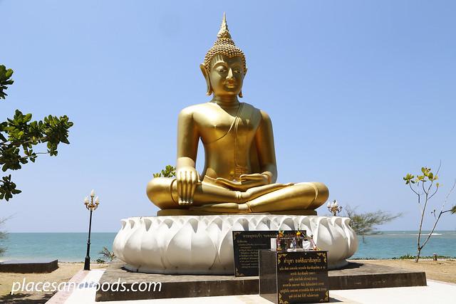 baan nam kem golden buddha