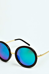blue river island mirror sunglasses