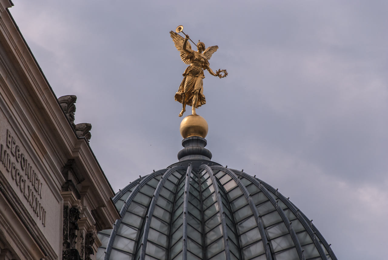 Goldener Engel Kunstakademie Dresden