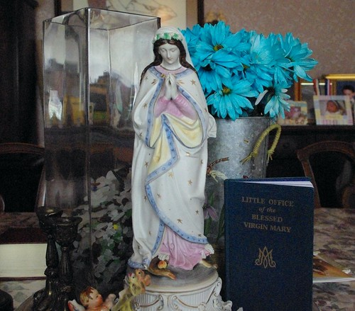 Assumption table centerpiece