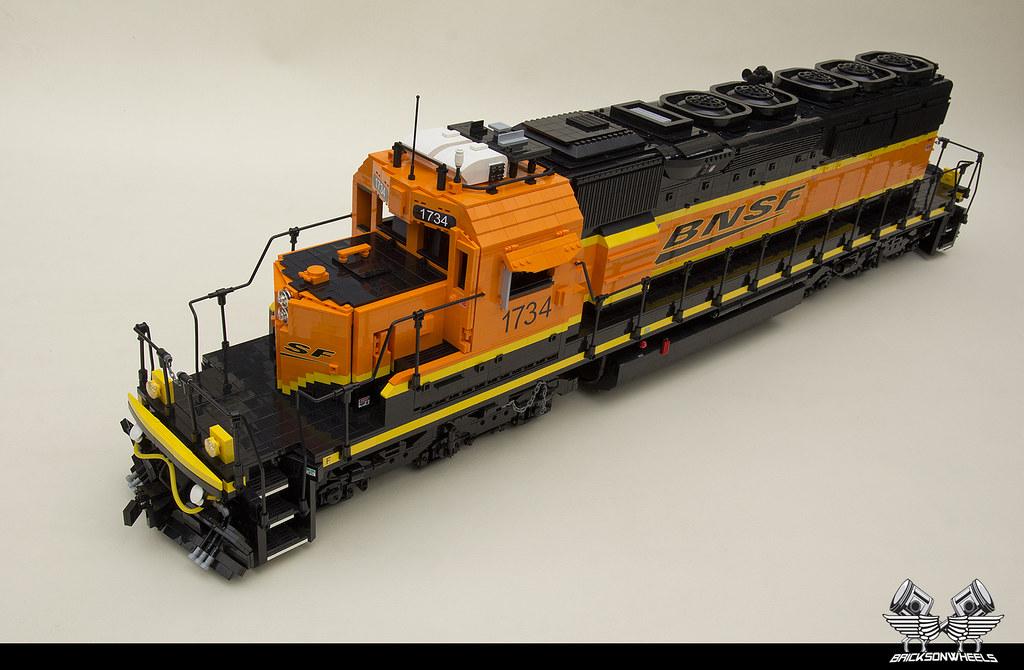 LEGO trains - EMD SD40-2 Lego 1:16