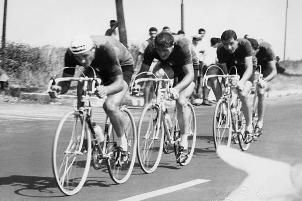 Passaggio quartetto olimpico 100 km cronosquadre - Roma 1960
