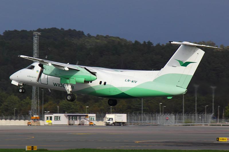 Wideroe - DH8A - LN-WIV (1)