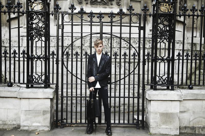 Mikkoputtonen_fashionblogger_londonfashionweek_LFW_day1_outfit_tnbpclothing_daniellefoster_drmartens_1_web