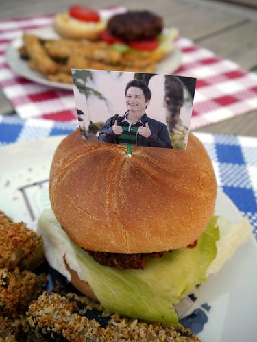 Carbs & Rec - Chris Traeger's Tofurky Burger Challenge (0002)