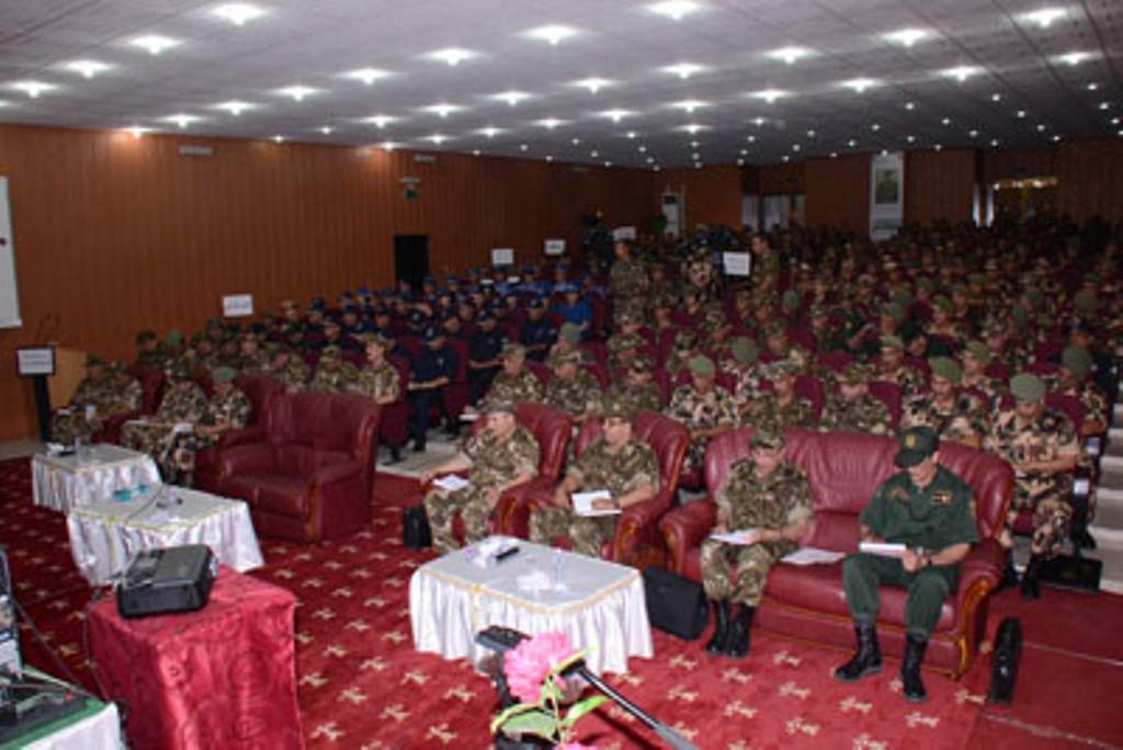 الجزائر : صلاحيات نائب وزير الدفاع الوطني - صفحة 4 30476552320_cf7df6922a_o