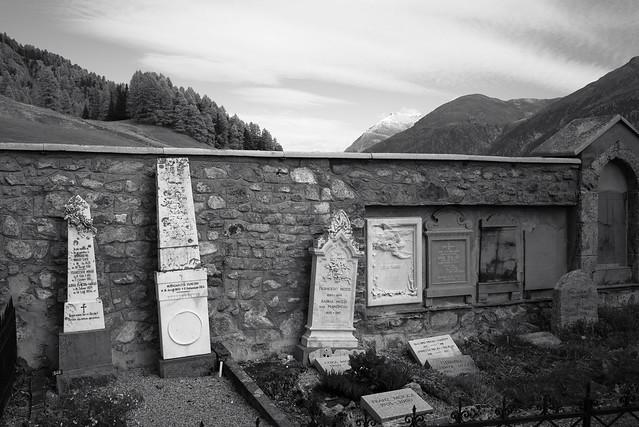 Epitaphe @ Graveyard San Peter . Samedan