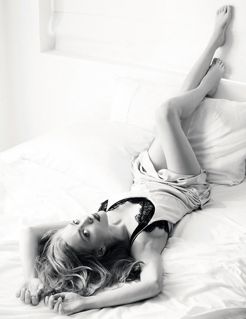 Аманда Сейфрид — Фотосессия для «Vogue» RU 2016 – 1