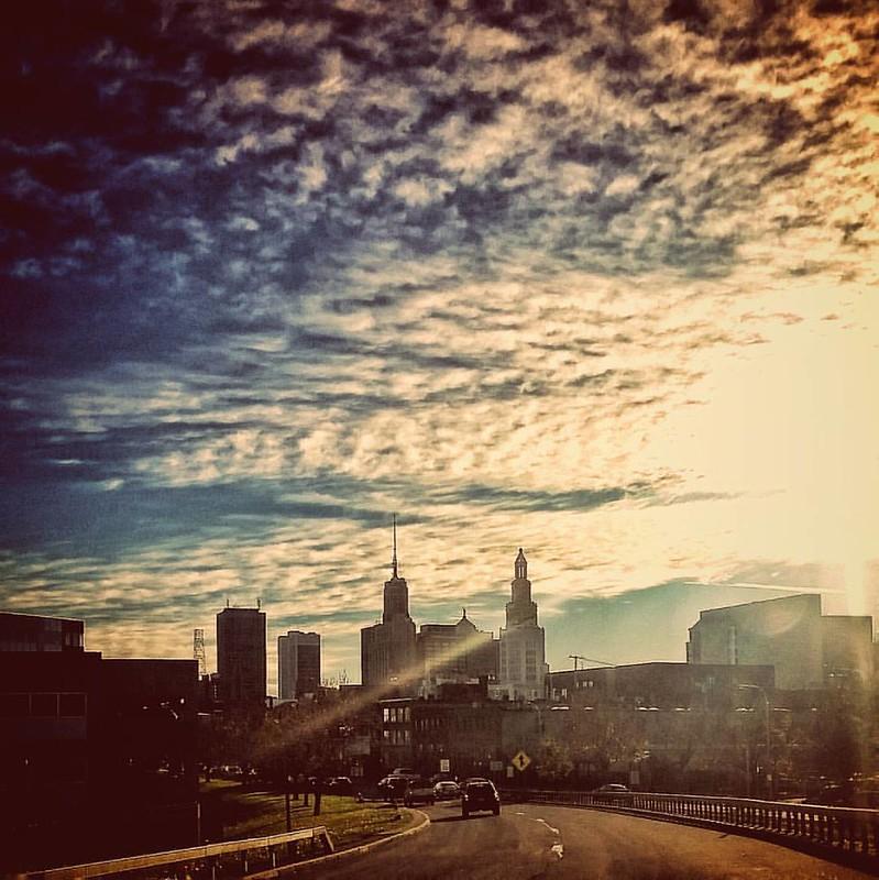 Late afternoon downtown #buffalo #BuffaloNewYork #ilovewny #iloveny #RiseBFLO #igersbuffalo #newyork #travelBUF #goodafternoon #explorebuffalo #fall #autumn #streetphotography #traffic #city #cityscape #clouds