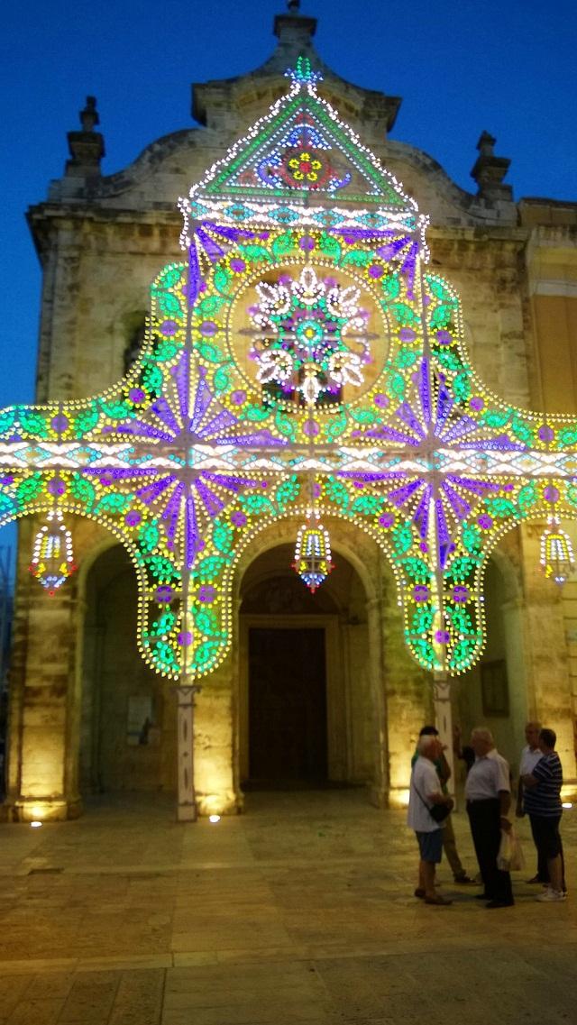 Noicattaro. Illuminazione Chiesa del Carmine intero 2