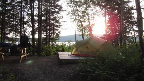 camping lac québec pleinair canotcamping parcsquébec msrtent louuiss lequébecetsesparcsnationaux parcnationaldulactémiscouata