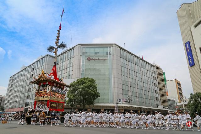 2014 KYOTO GION FESTIVAL - FINALLY! - THE GION FESTIVAL WILL RETURN BACK TO ITS ORIGINAL FORM, THE FIRST APPEARANCE IN 150 YEARS OF OFUNE-HOKO,京都の夏と平成26年の祇園祭、後祭りが復活し50年ぶりに本来の形に戻った歴史的祇園祭、150年ぶりに復興した大船鉾の登場、片泊まりの宿、有名料亭の祇園祭特別しつらえ、大船鉾内部拝観、特別公開の文化財、約3週間滞在の写真など