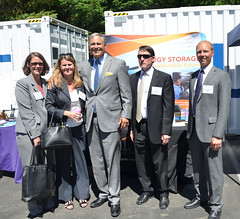 Pacific Northwest National Laboratory (PNNL) staff and Governor Inslee