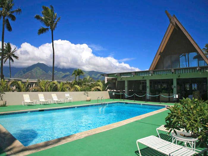 Maui_Beach_Hotel_Pool1