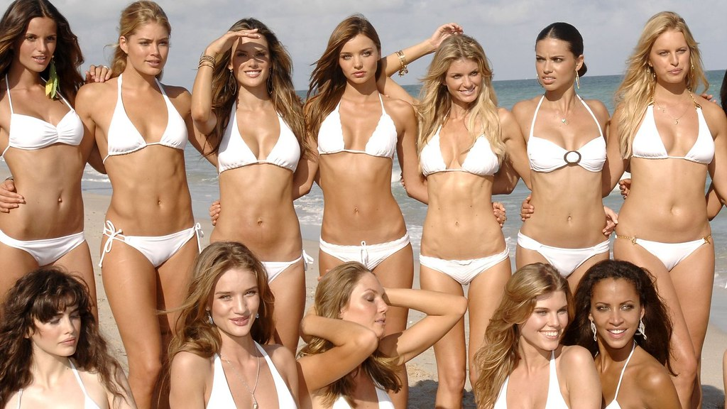 Bikini pictures of supermodels