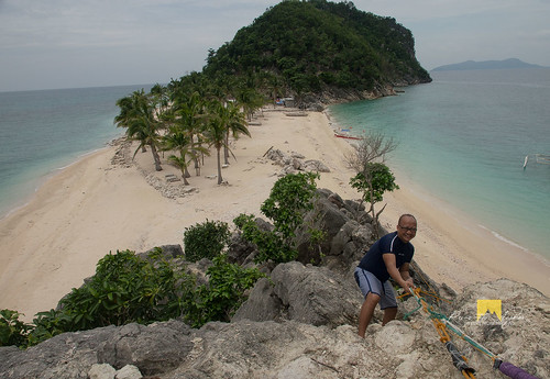Climb to Cabugao Gamay Island